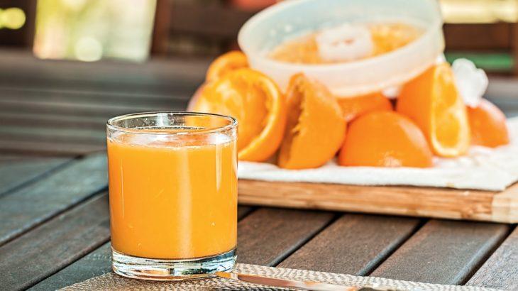 【飲み物】実は疲労回復の効果があるオレンジジュース!健康への影響など詳しく解説!