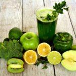 フルーツ青汁を飲んで健康もダイエットにも効果あり、飲みやすい青汁!